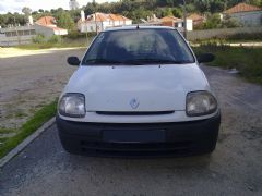 Renault Clio 1.5 DCI 2001 - 2.500 €