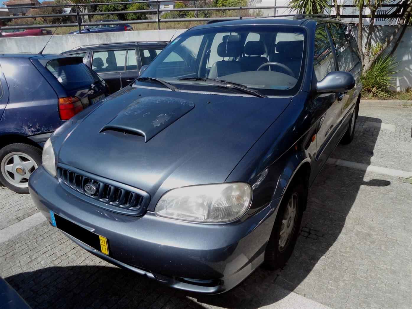 MG Ribeiro Motores - Comércio de Automóveis: Kia Carnival 2.9 TDi - 5.600 €