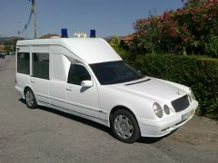 Mercedes Benz E 220 CDi Ambulancia 2001 - 11.500 €